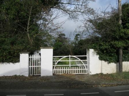 271 - Gates at Gormanston